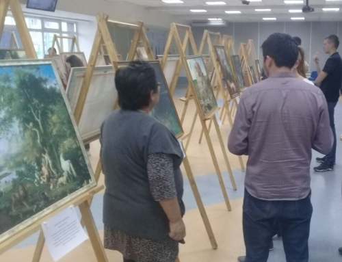 College students sharing the Gospel through art in Tatarstan