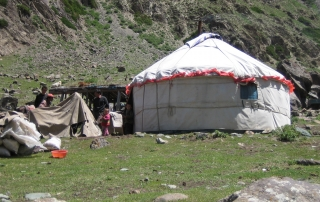 A central asian yurt - download Central Asian mission pr